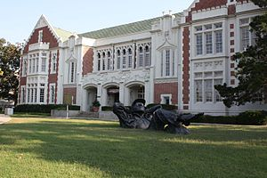 A picture of the University of Oklahoma visito...