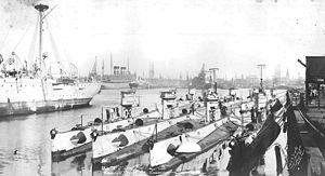 O type submarines at Boston.jpg
