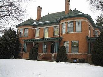 Joseph Lyman Silsbee - Image: Ogle County Polo Il H D Barber House 1