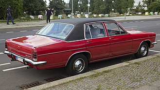Opel Diplomat - Rear view of Opel Diplomat E automatic