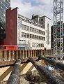 Overzicht van de linker zijgevel met bouwput op de voorgrond - Rotterdam - 20422723 - RCE.jpg