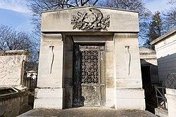 Tomb of Law de Lauriston