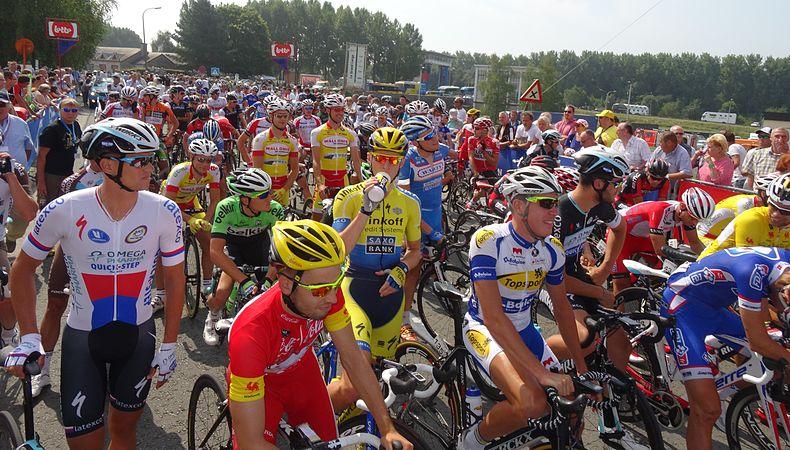 Péronnes-lez-Antoing (Antoing) - Tour de Wallonie, étape 2, 27 juillet 2014, départ (D17).JPG