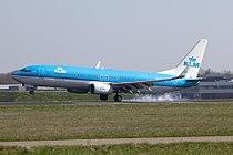 PH-BXK B737-800 KLM single leg landing (6881181598).jpg