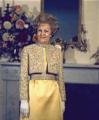 Pat Nixon poses 1970.png