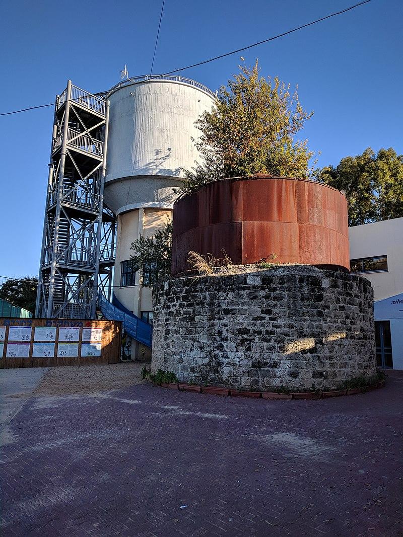 מגדל המים במזכרת בתיה