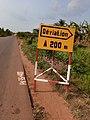 Plaque d'indication dans le plateau du Bénin 03.jpg