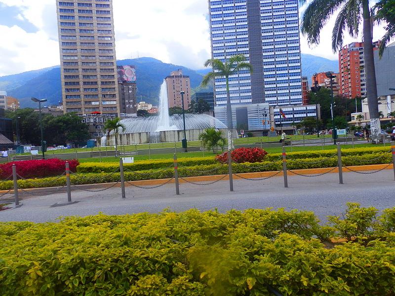 File:Plaza Venezuela, Caracas. Venezuela.jpg