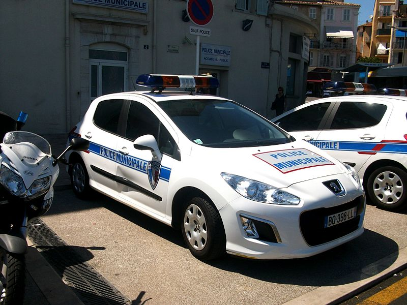 File police municipale cannes peugeot 308 2012 jpg for Police cannes