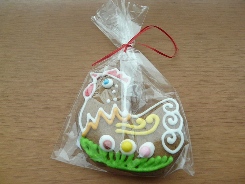 Polish Easter candy decorations 01.JPG
