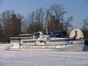 Polkovnik Aksenov in North River Port 31-jan-2012 01.JPG
