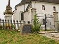 Pomník v Sobotíně před kostelem (Q72739056) 01.jpg