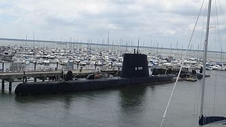 Patriots Point - Image: Port side of the USS Clamagore submarine, taken from the fantail of the USS Yorktown