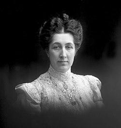 Portrett, Marie Magdalene Rustad - 1908 - Gustav Borgen - Norsk Folkemuseum - NFB.18379.jpg