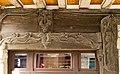 Poutre sculptée au rez-de-chaussée de la maison au 21 rue de Paris (Vitré, Ille-et-Vilaine, France).jpg