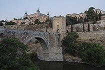 Puente de Alcántara al Amanecer.jpg