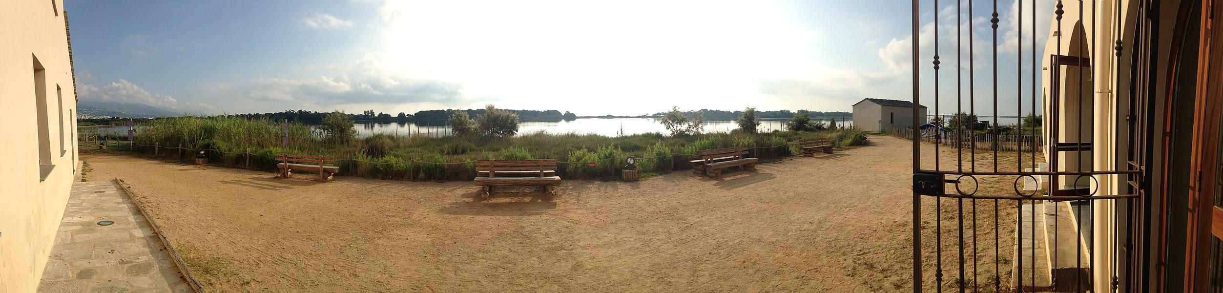Point de vue du Fortin sur l'étang de Biguglia.