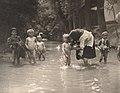 Raupp Děti v potoce v Hroznové Lhotě.jpg