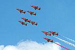Red Arrows (5136490547).jpg