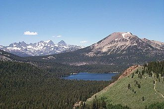 Mammoth Mountain - Image: Ritter Range and Mammoth Mountain
