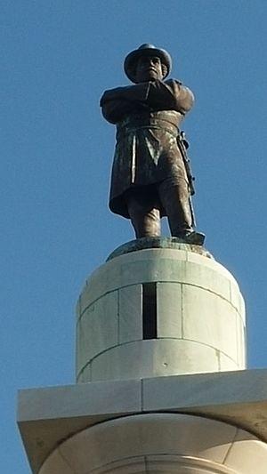 Robert E. Lee Monument (New Orleans, Louisiana) - Robert E. Lee Monument, close up