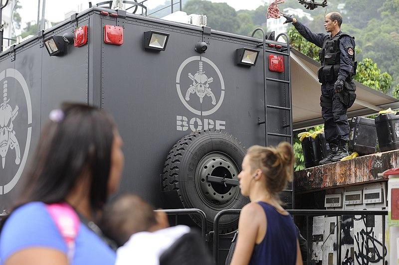File:Rocinha depois de tiroteio 3.jpg