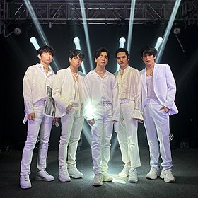 SB19 at YouTube FanFest 2020 From Left: Justin, Ken, Josh, Sejun, and Stell