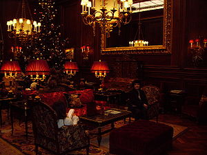 Hotel Sacher - Evening in the lounge