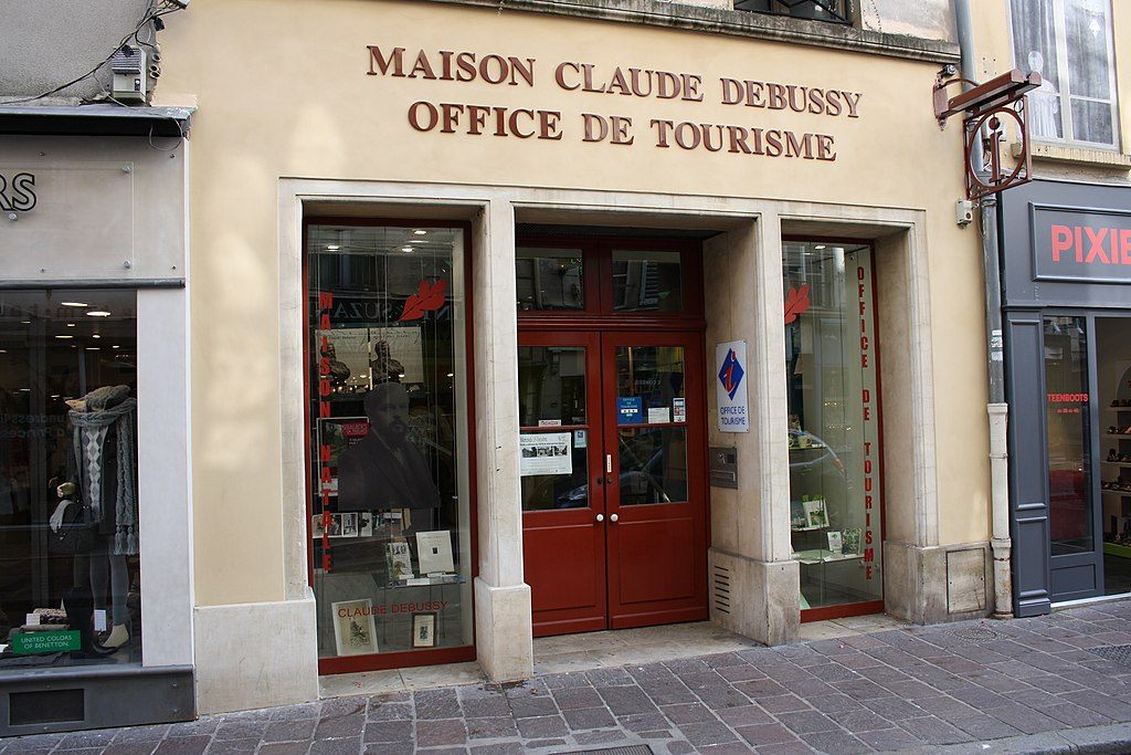 File saint germain en laye maison claude debussy 2011 wikimedia commons - Office tourisme saint germain en laye ...