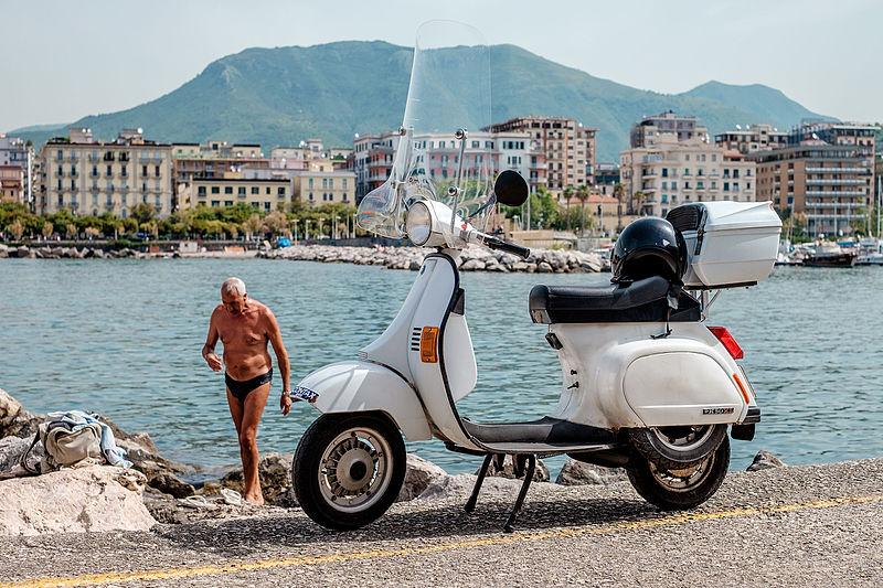 File:Salerno, Italy (21255768302).jpg