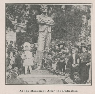 Sam Davis - The Sam Davis Monument at its dedication in Nashville, Tennessee on April 29, 1909.