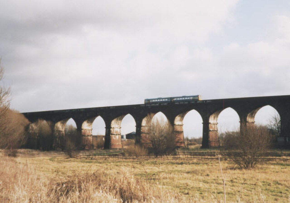 Sankey Viaduct - geograph.org.uk - 217761.jpg