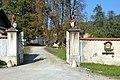 Sankt Georgen Rottenstein 1 Schloss-Einfahrt 15102006 266.jpg