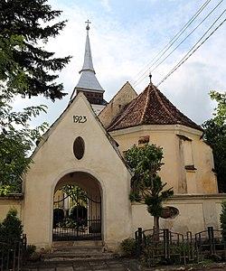 Satunou - Ansamblul bisericii evanghelice.jpg