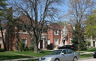 Forest Glen, Chicago - The Sauganash Historic District in Forest Glen.