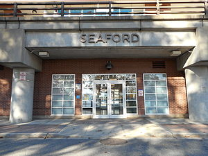 Seaford LIRR Station Entrance.JPG