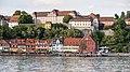 Seeseite von Meersburg mit Neuem Schloss.jpg