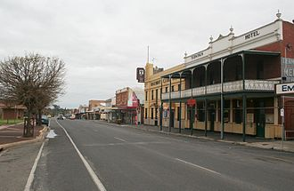 Seymour, Victoria - Station Street, with the Terminus and Railway Club hotels in the foreground