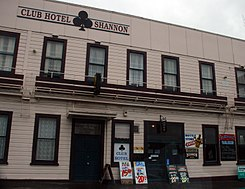 Shannon Hotel, Manawatu, New Zealand, 8 December 2006.jpg