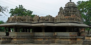 http://upload.wikimedia.org/wikipedia/commons/thumb/1/17/Siddhesvara_Temple_Haveri.JPG/320px-Siddhesvara_Temple_Haveri.JPG