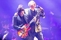 Simple Minds - 2016330230310 2016-11-25 Night of the Proms - Sven - 1D X - 0856 - DV3P2996 mod.jpg