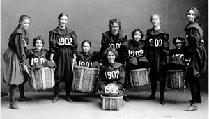 Women's basketball - Smith College's class of 1902 women's basketball team.