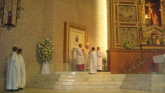 Indulgence - Archbishop Socrates B. Villegas bestows the Easter Mass Plenary Indulgence in 2012 (St. John the Evangelist Metropolitan Cathedral, Dagupan City, Pangasinan).
