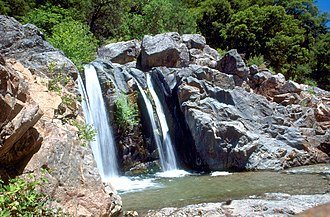 Yuba River - Image: South Yuba River waterfall