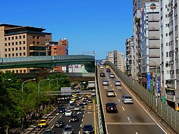 South entrance of Zheng Qi Overpass 20110114.jpg