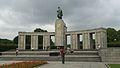 Sowjetisches Ehrenmal Berlin Tiergarten.jpg