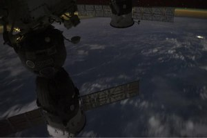 चित्र:Soyuz and the Coastline of Africa.ogv
