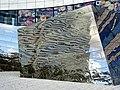 Spiegelobjekte auf dem Jan-Wellem-Platz in Düsseldorf vor Breuninger 16.jpg