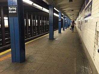 Spring Street (IND Eighth Avenue Line) - Image: Spring Street 8th Avenue Platform