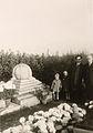Stèle funéraire de Paul Otlet au cimetière d'Ixelles.jpg